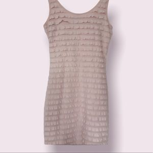 H&M Textured/Tiered Bodycon dress Size 4- Soft Pink (small/xs)